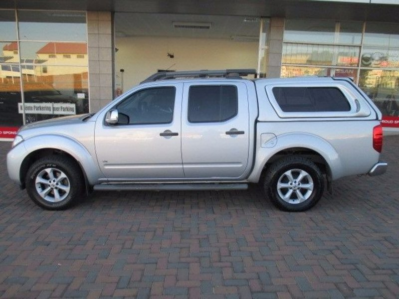 Nissan Navara 3.0 2011 photo - 4
