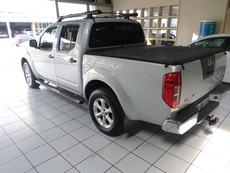 Nissan Navara 3.0 2011 photo - 6