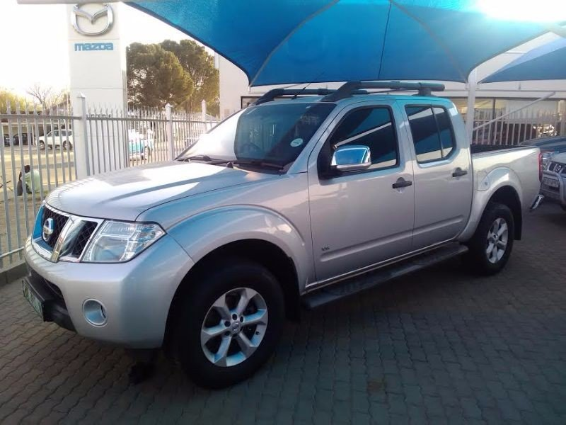Nissan Navara 3.0 2011 photo - 8