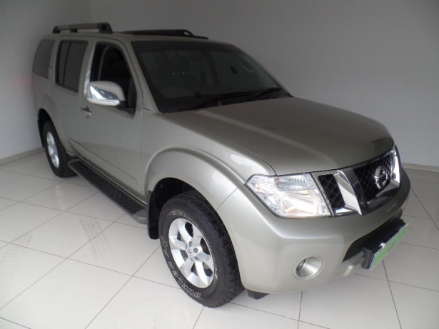 Nissan Pathfinder 2.5 2013 photo - 12