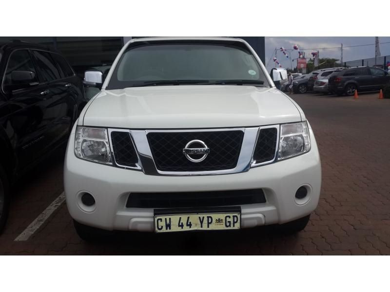 Nissan Pathfinder 2.5 2013 photo - 4