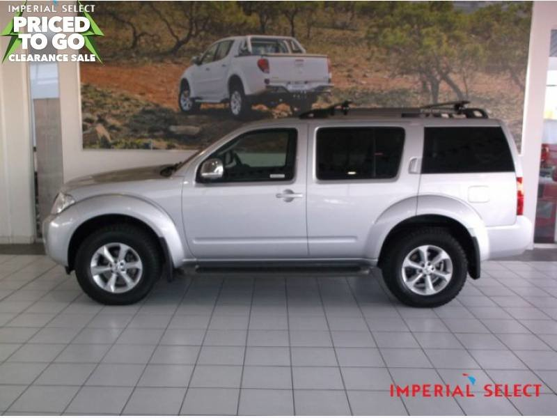 Nissan Pathfinder 2.5 2013 photo - 9