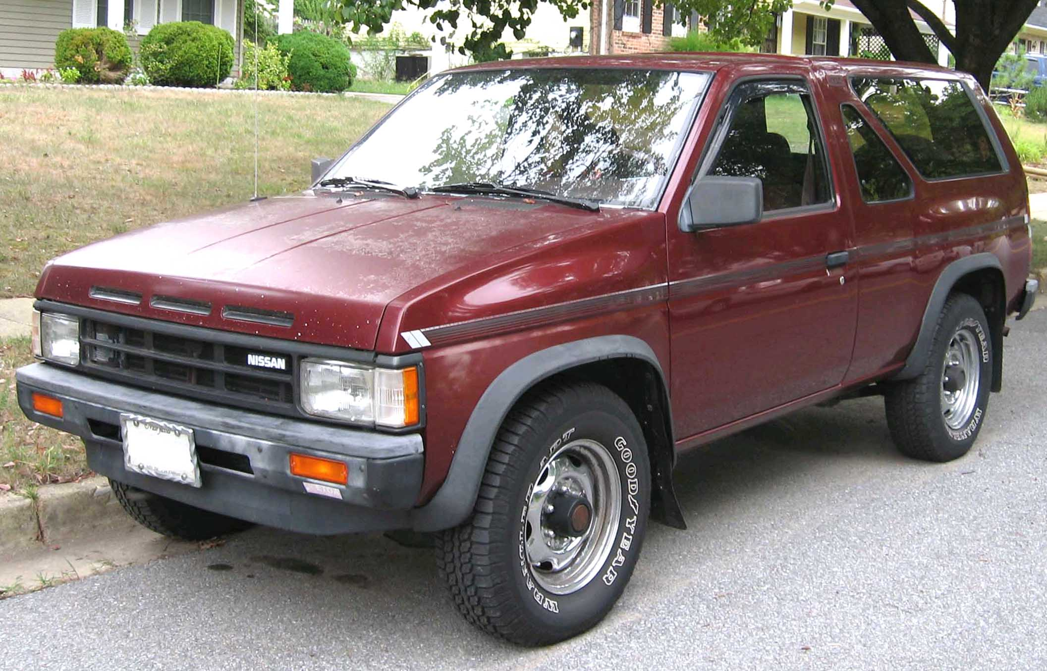 Nissan Pathfinder 2.7 1990 photo - 10