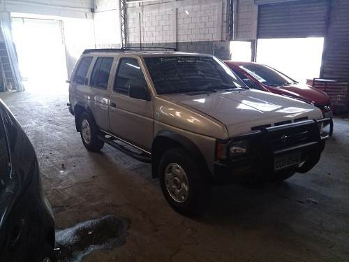 Nissan Pathfinder 2.7 1994 photo - 7