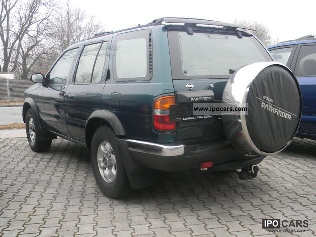 Nissan Pathfinder 2.7 1997 photo - 1
