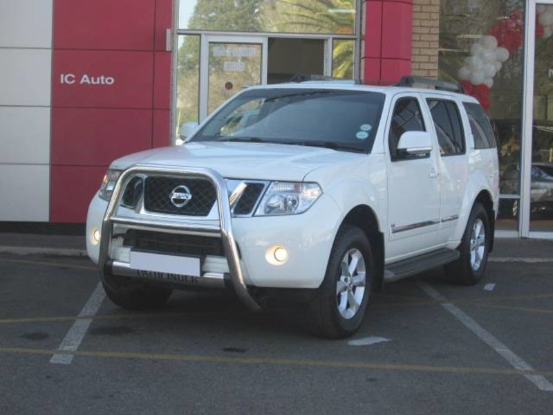 Nissan Pathfinder 3.0 2014 photo - 2