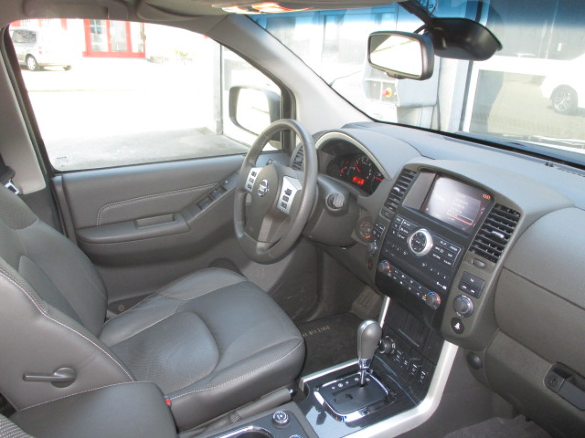 Nissan Pathfinder 3.0 2014 photo - 9