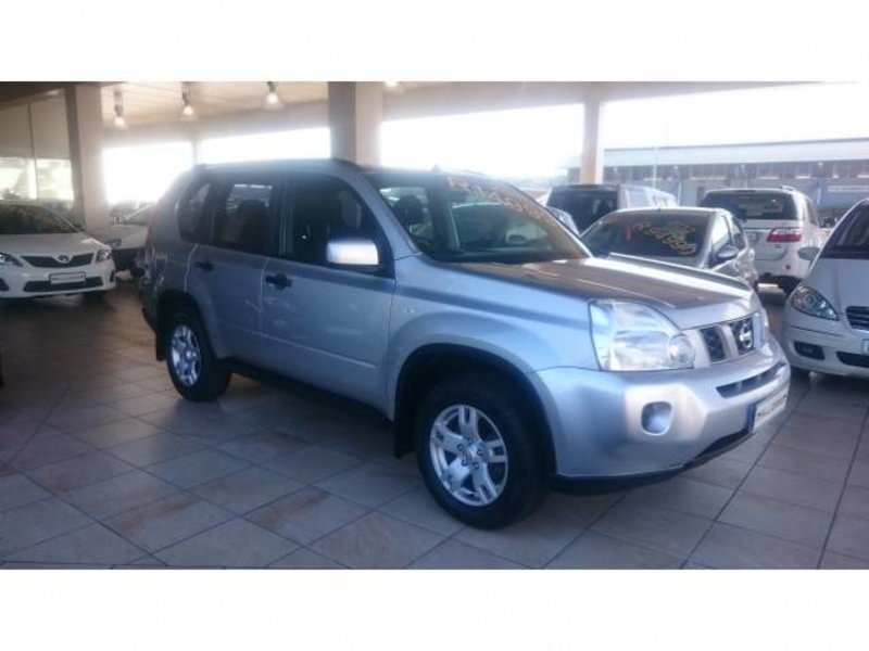 Nissan X-Trail 2.0 2010 photo - 1