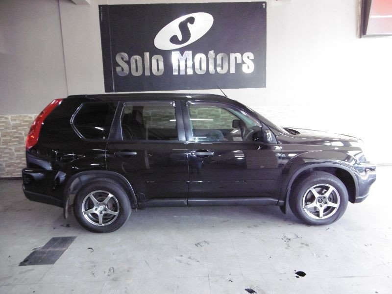 Nissan X-Trail 2.0 2010 photo - 10