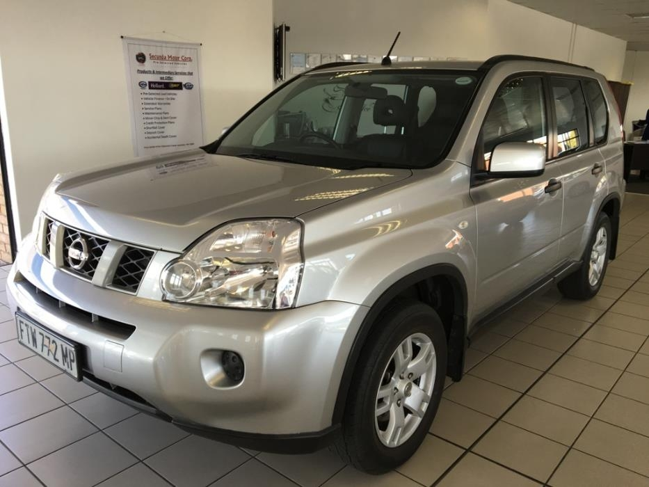 Nissan X-Trail 2.0 2010 photo - 12