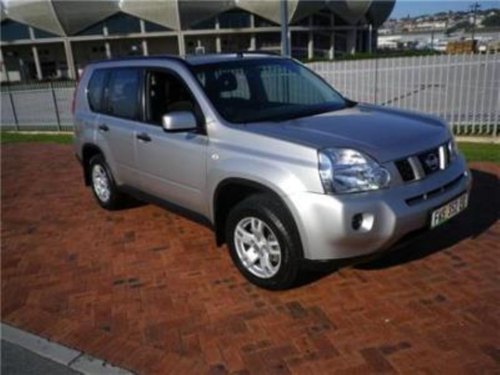 Nissan X-Trail 2.0 2010 photo - 2
