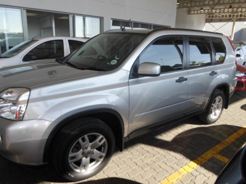 Nissan X-Trail 2.0 2010 photo - 6