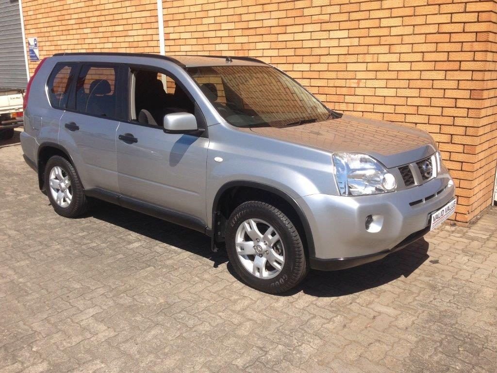 Nissan X-Trail 2.0 2010 photo - 9