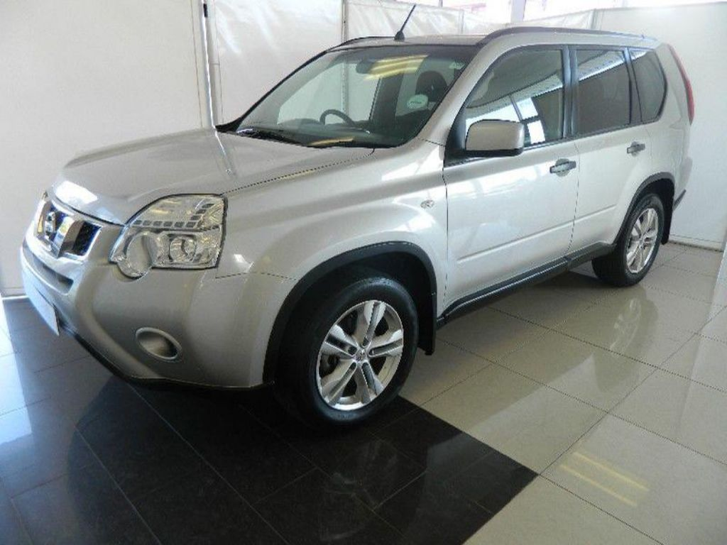 Nissan X-Trail 2.0 2014 photo - 9