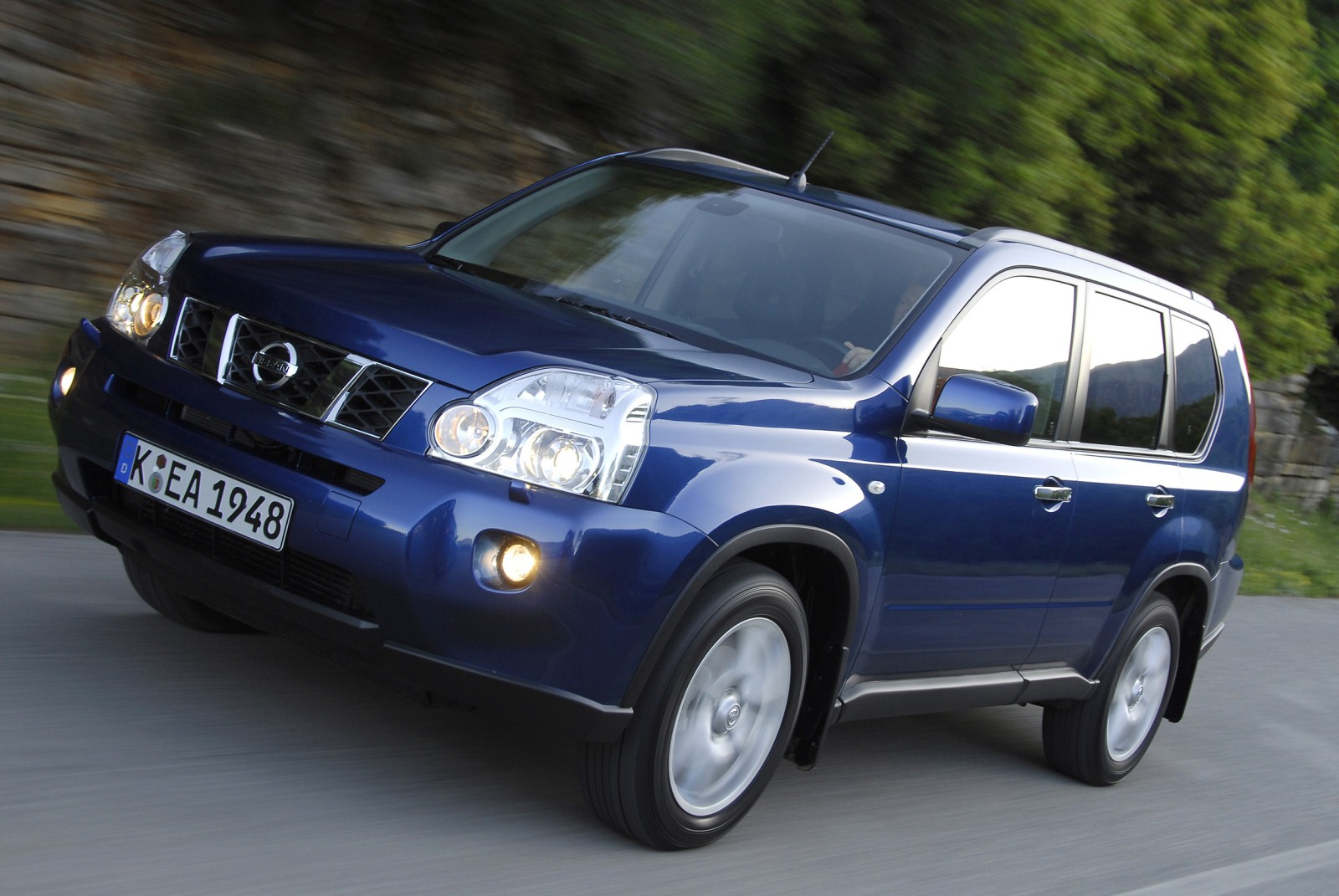 Nissan X-Trail 2.2 2007 photo - 1