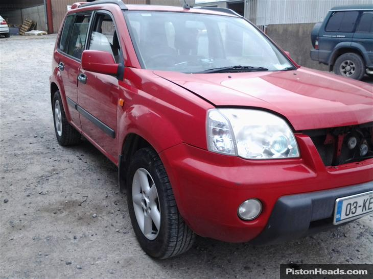 Nissan X-Trail 2.2 2007 photo - 10