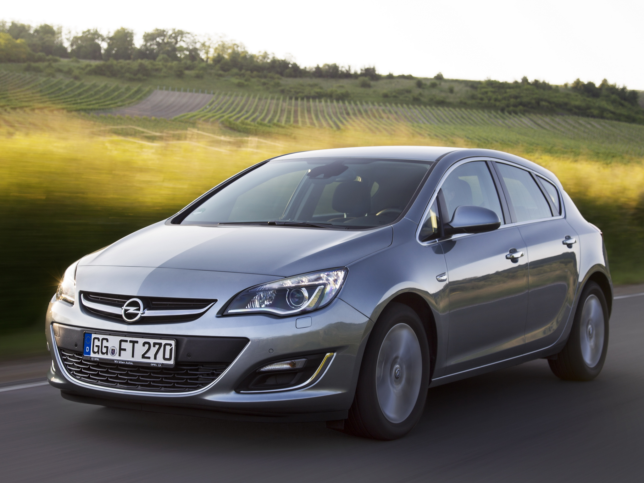 Opel Astra 1.2 2013 photo - 4