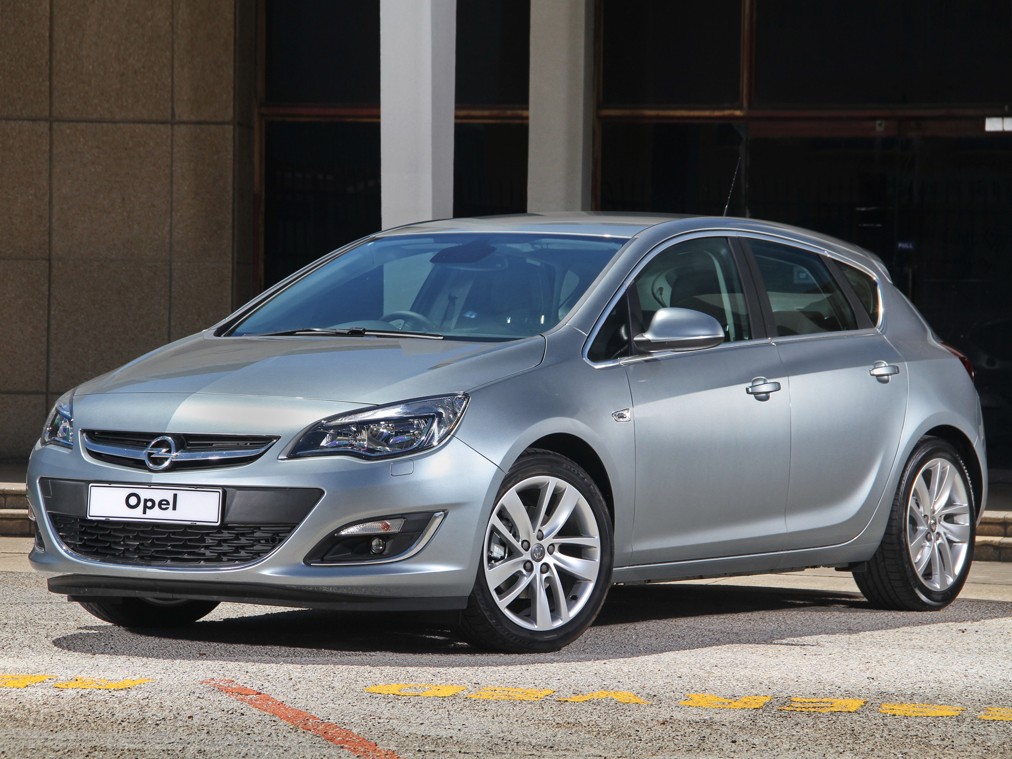 Opel Astra 1.2 2013 photo - 5