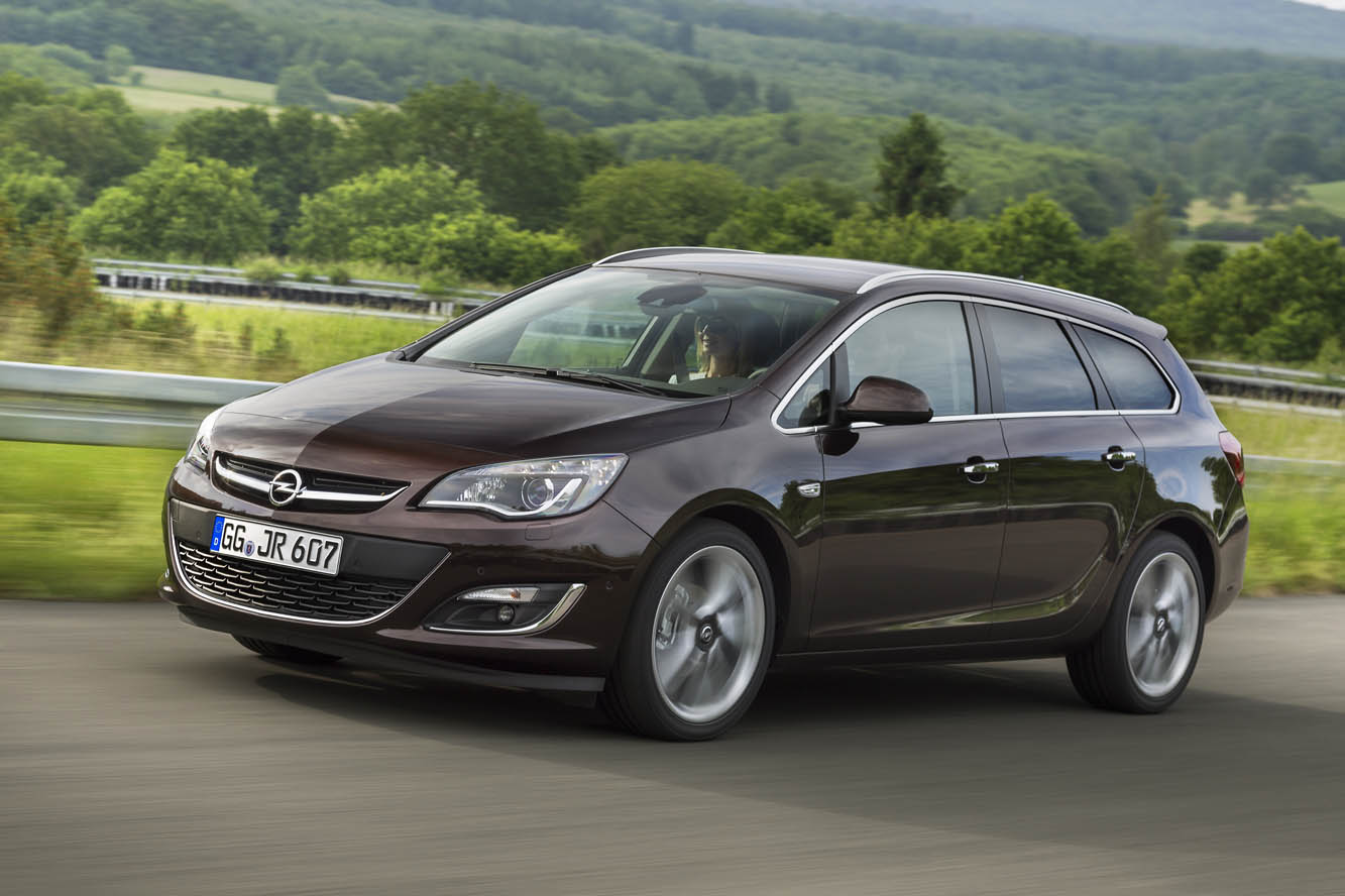 Opel Astra 1.3 2014 photo - 3