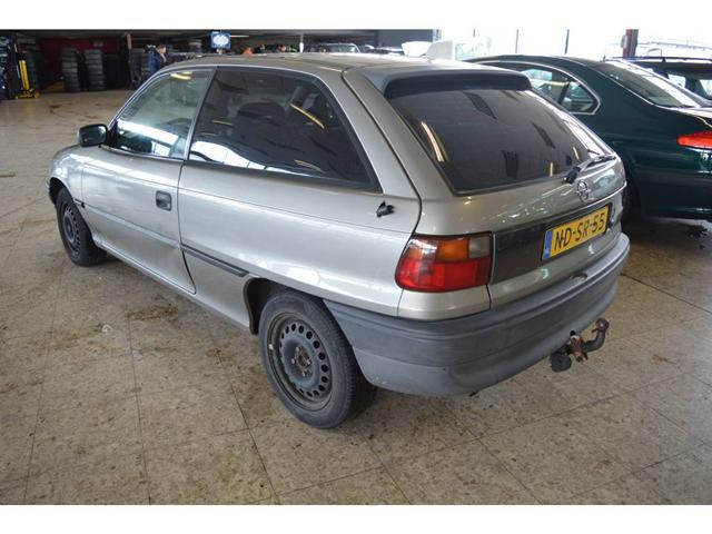 Opel Astra 1.4 1995 photo - 12