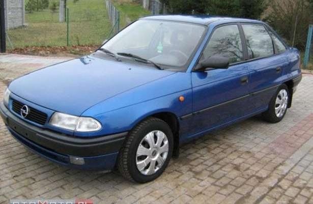 Opel Astra 1.4 1997 photo - 8