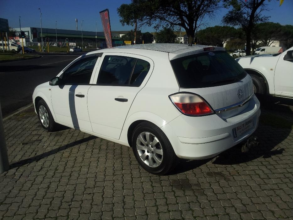 Opel Astra 1.4 2007 photo - 9