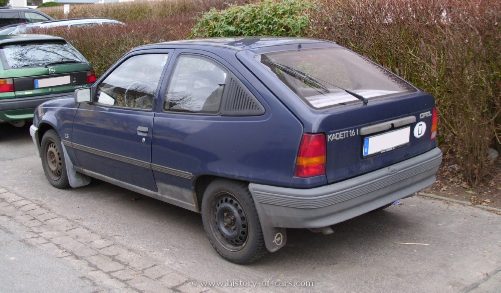 Opel Astra 1.6 1986 photo - 5