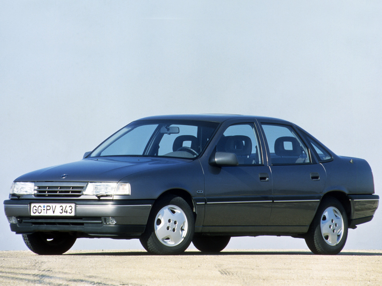 Opel Astra 1.6 1988 photo - 1