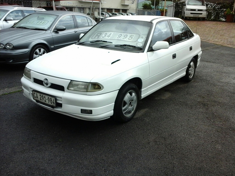 Opel Astra 1.6 1997 photo - 10