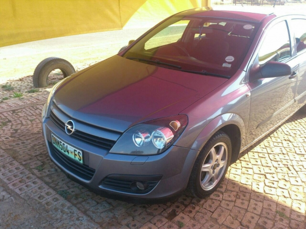 Opel Astra 1.6 2005 photo - 11