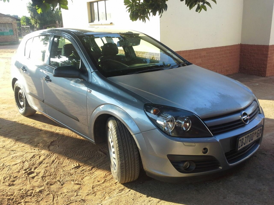 Opel Astra 1.6 2005 photo - 9