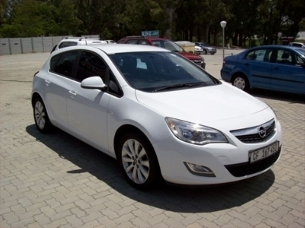 Opel Astra 1.6 2010 photo - 11