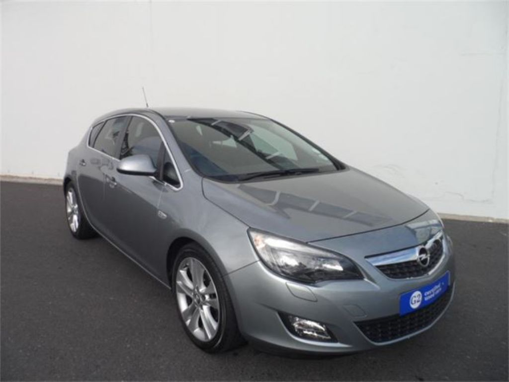 Opel Astra 1.6 2010 photo - 12