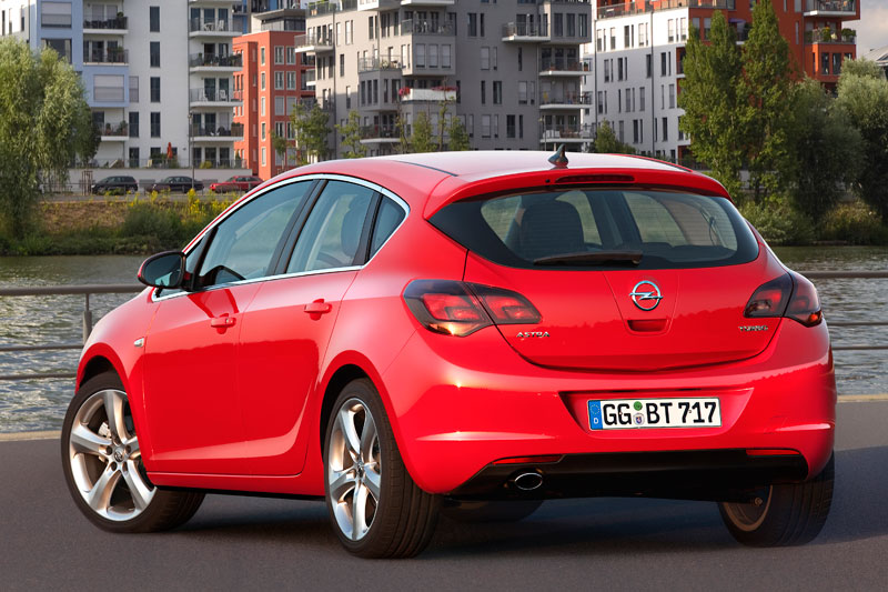 Opel Astra 1.6 2010 photo - 2