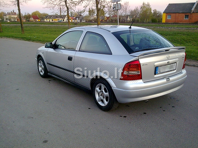 Opel Astra 1.7 2001 photo - 2
