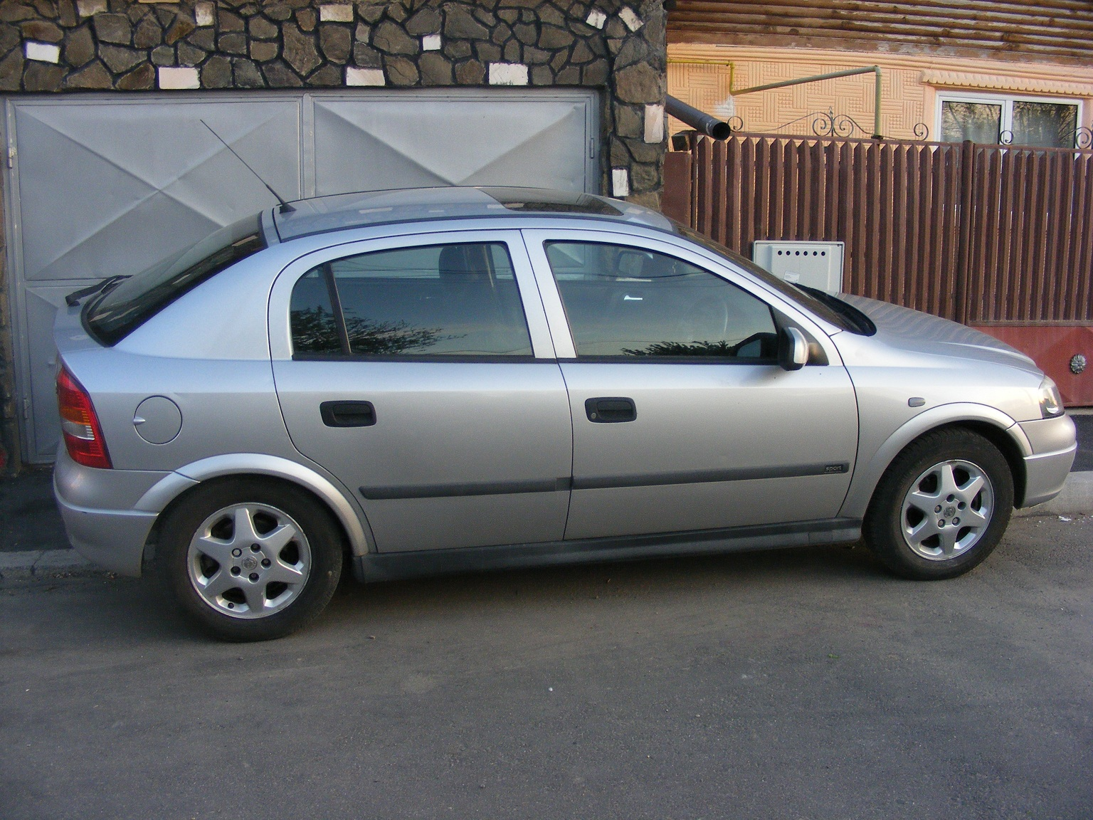 Opel Astra 1.7 2001 photo - 7