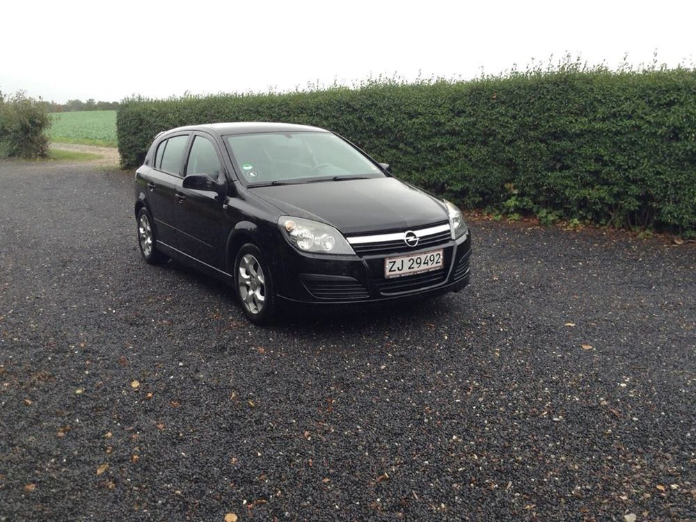 Opel Astra 1.8 1984 photo - 12