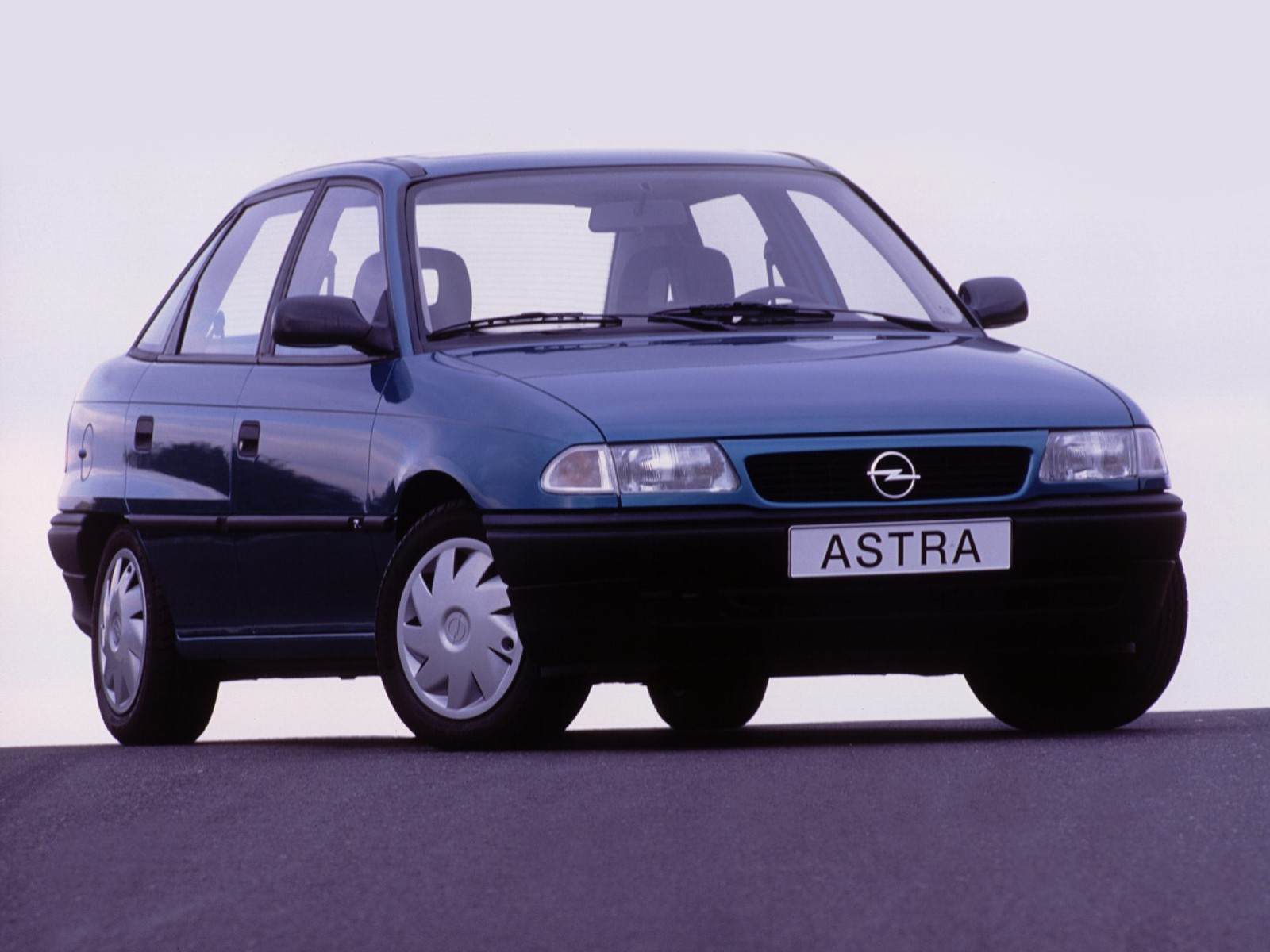 Opel Astra 1.8 1996 photo - 10