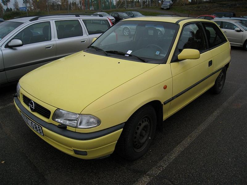 Opel Astra 1.8 1996 photo - 2