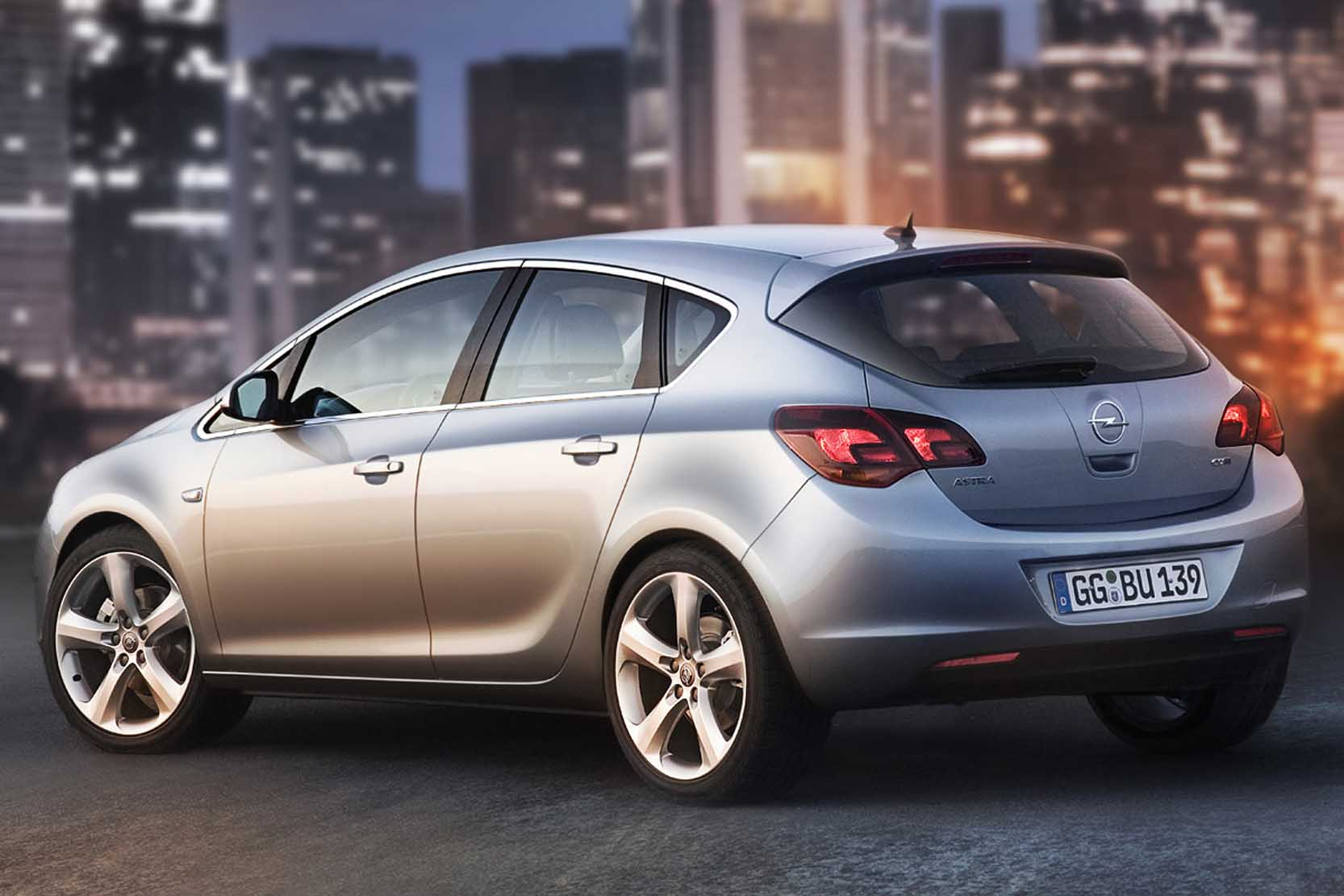 Opel Astra 1.8 2010 photo - 1