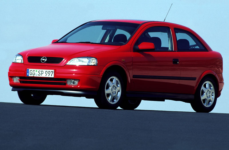 Opel Astra 2.0 1999 photo - 12