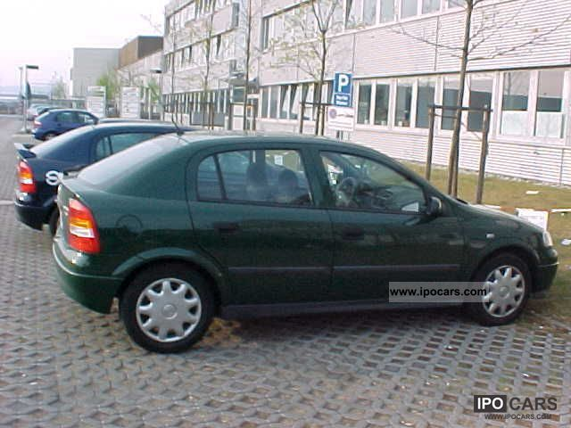Opel Astra 2.0 1999 photo - 2