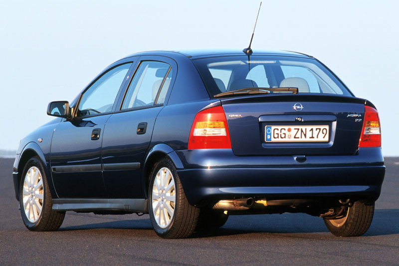 Opel Astra 2.0 1999 photo - 6