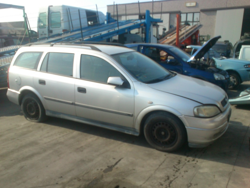 Opel Astra 2.0 2001 photo - 11