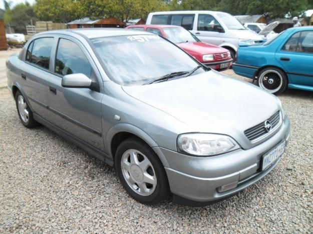 Opel Astra 2.0 2001 photo - 12