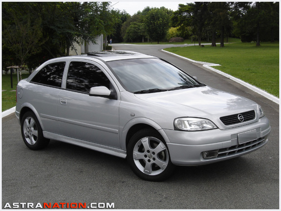Opel Astra 2.0 2002 photo - 1