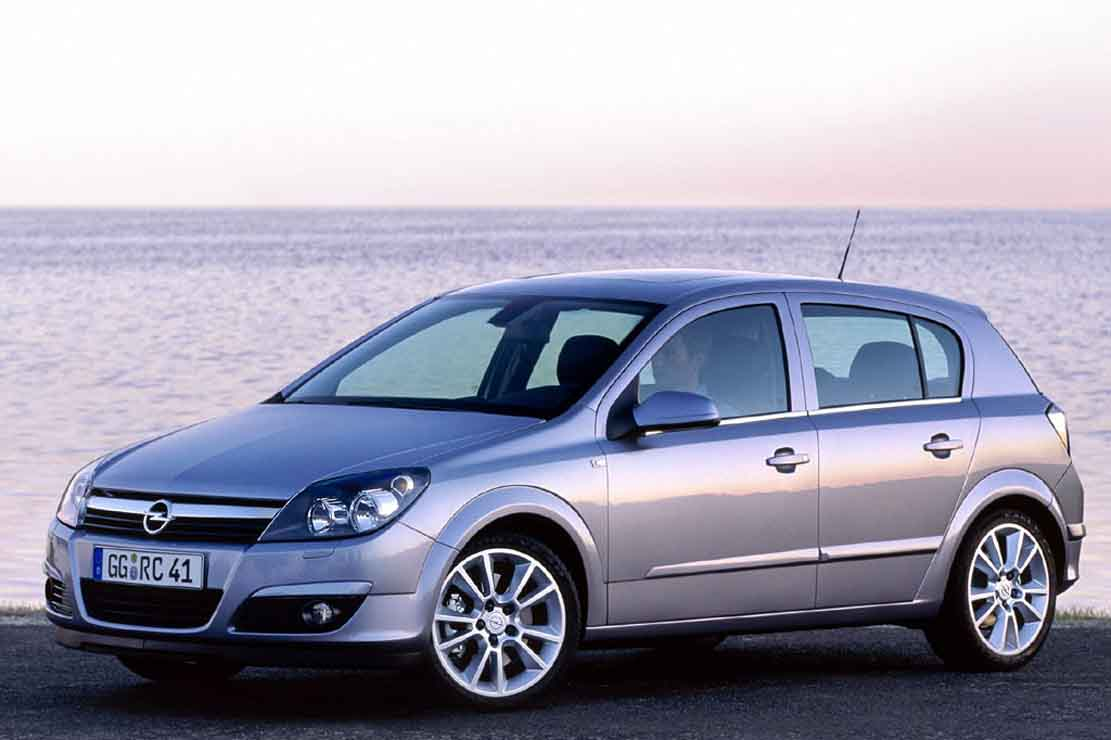 Opel Astra 2.0 2009 photo - 4