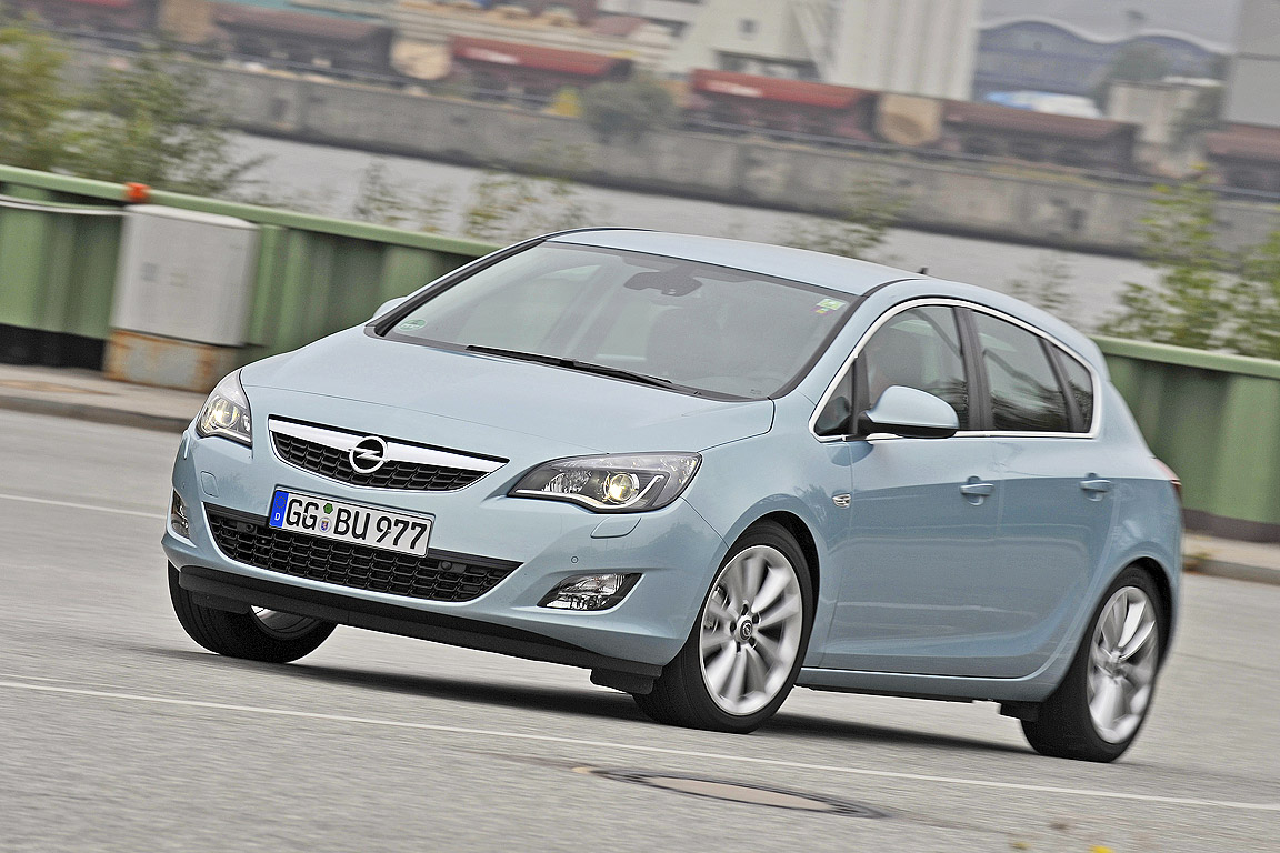 Opel Astra 2.0 2009 photo - 7