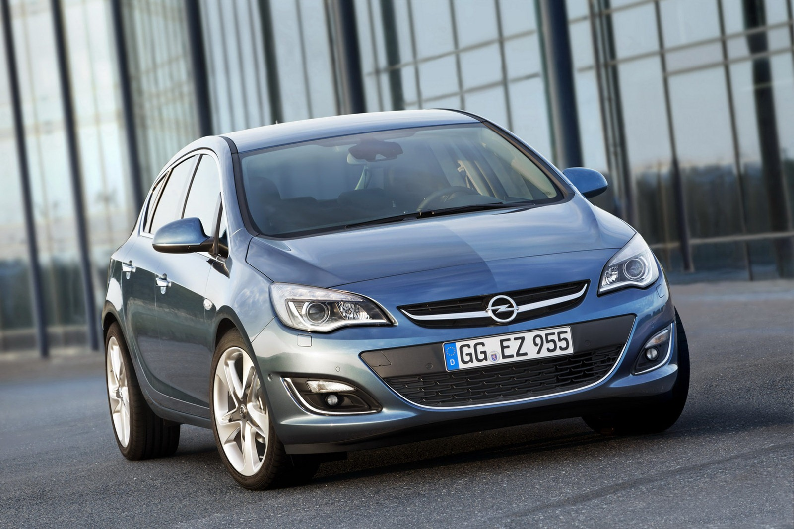 Opel Astra 2.2 2012 photo - 1