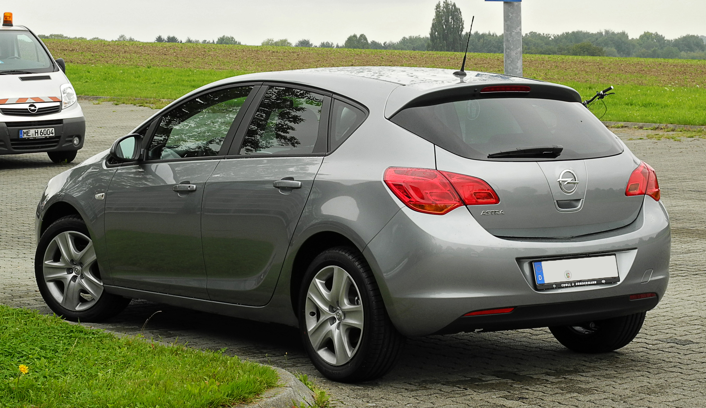 Opel Astra 2.2 2012 photo - 11